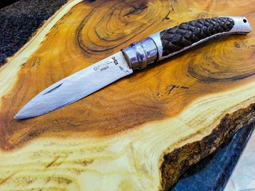 Creazioni Artigianali Savalli - Coltellino con manico intagliato a mano e foglia d'argento a missione