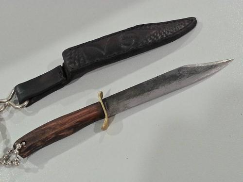 Creazioni Artigianali Savalli - Portachiavi con coltellino forgiato a mano